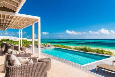 Beachfront | 2 BDM Premier Villa