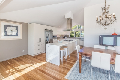 the open plan kitchen/dining area