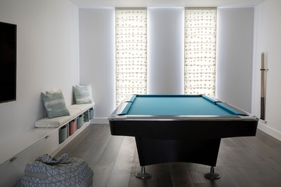 the comfy lounge & games room with billiards table