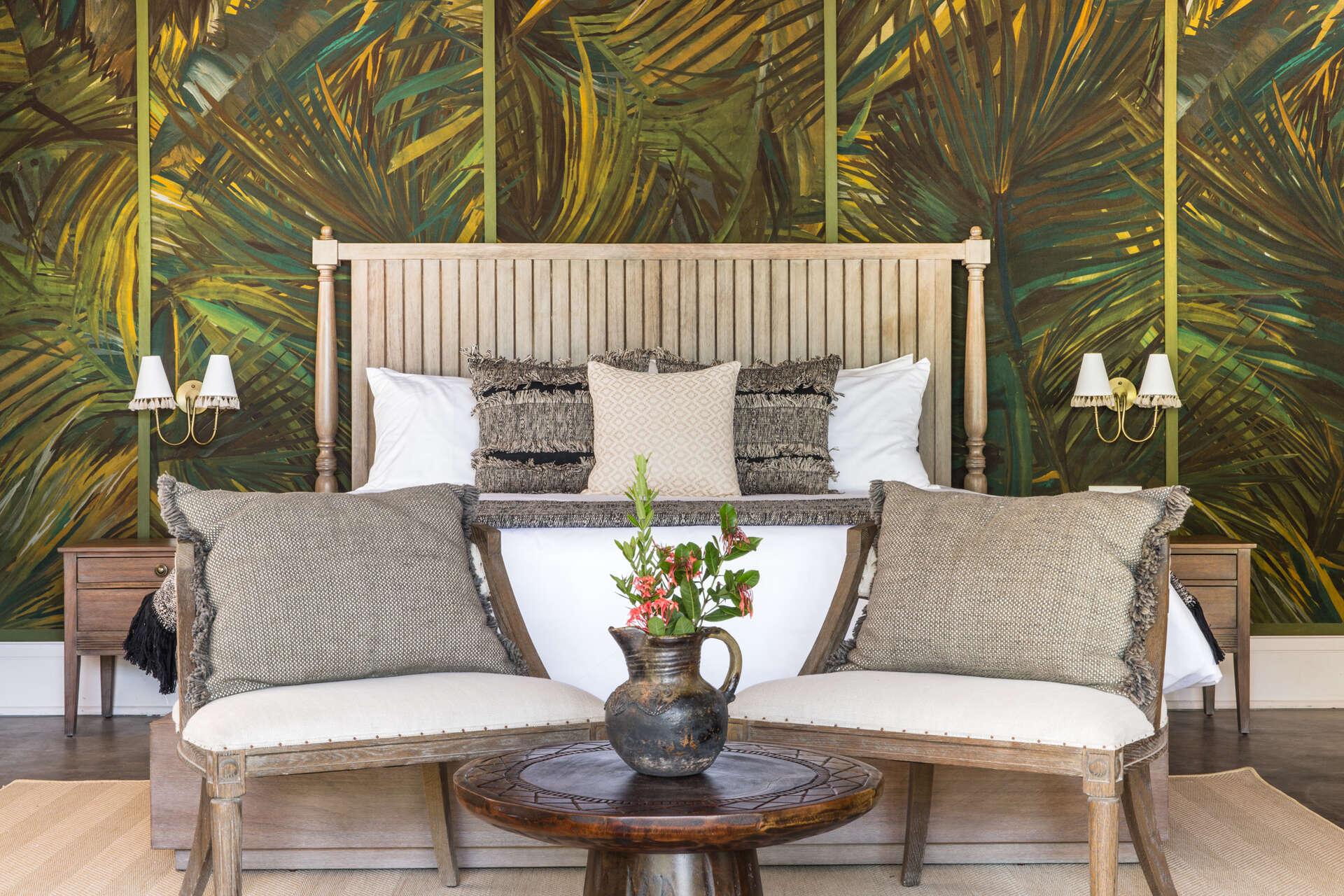 - Beachfront Suite - Image 1/5