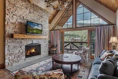 Mountain View Residence #405