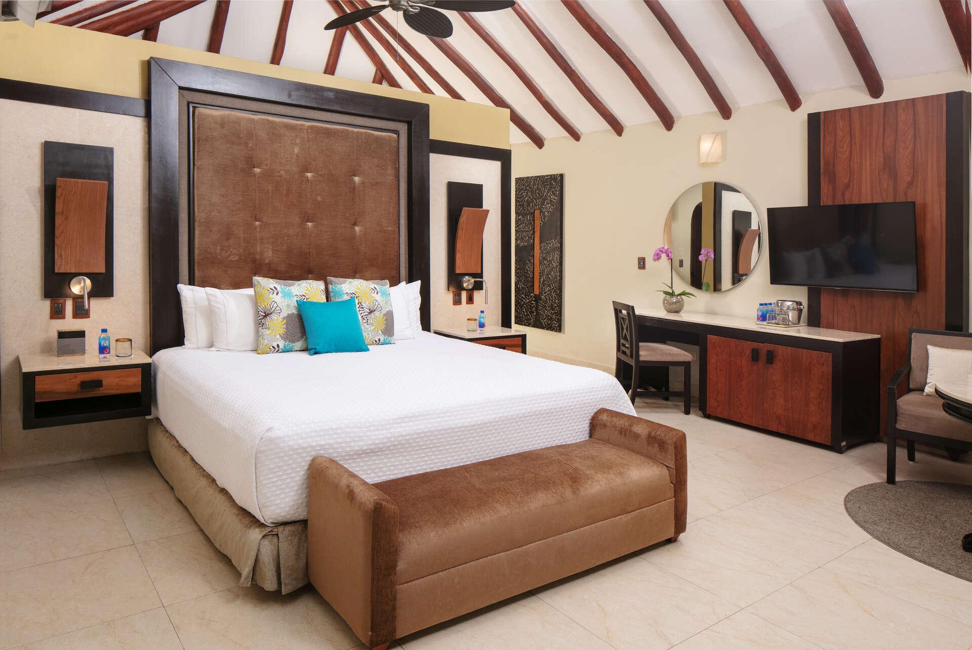 Luxury vacation rentals mexico - Riviera maya - Playa del carmen - El dorado casitas royale - Presidential Studio Infinity Pool Casita Suite - Image 1/8