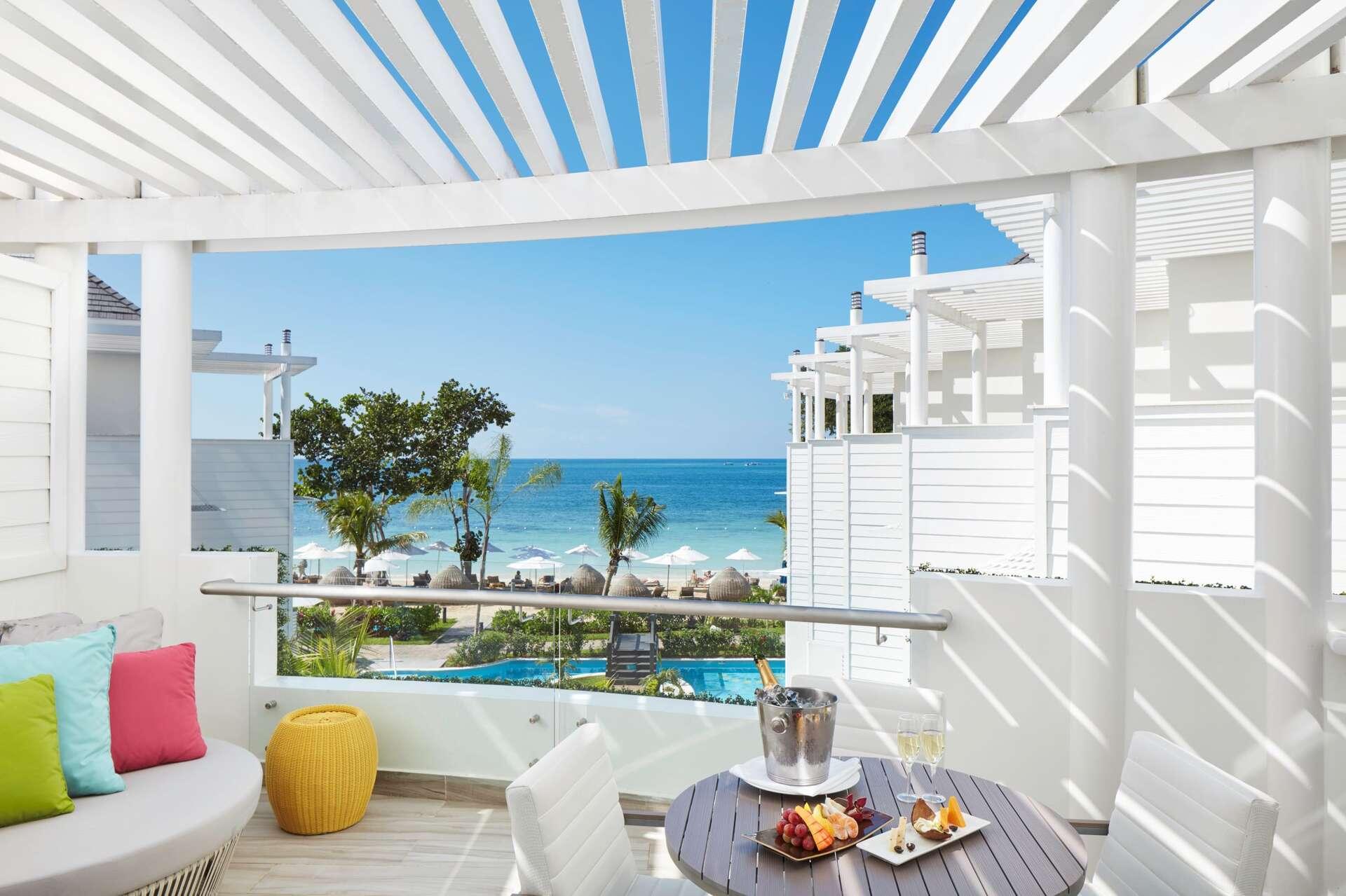 Luxury villa rentals caribbean - Jamaica - Negril - Azul beach resort negril - One Bedroom Presidential Suite - Image 1/14