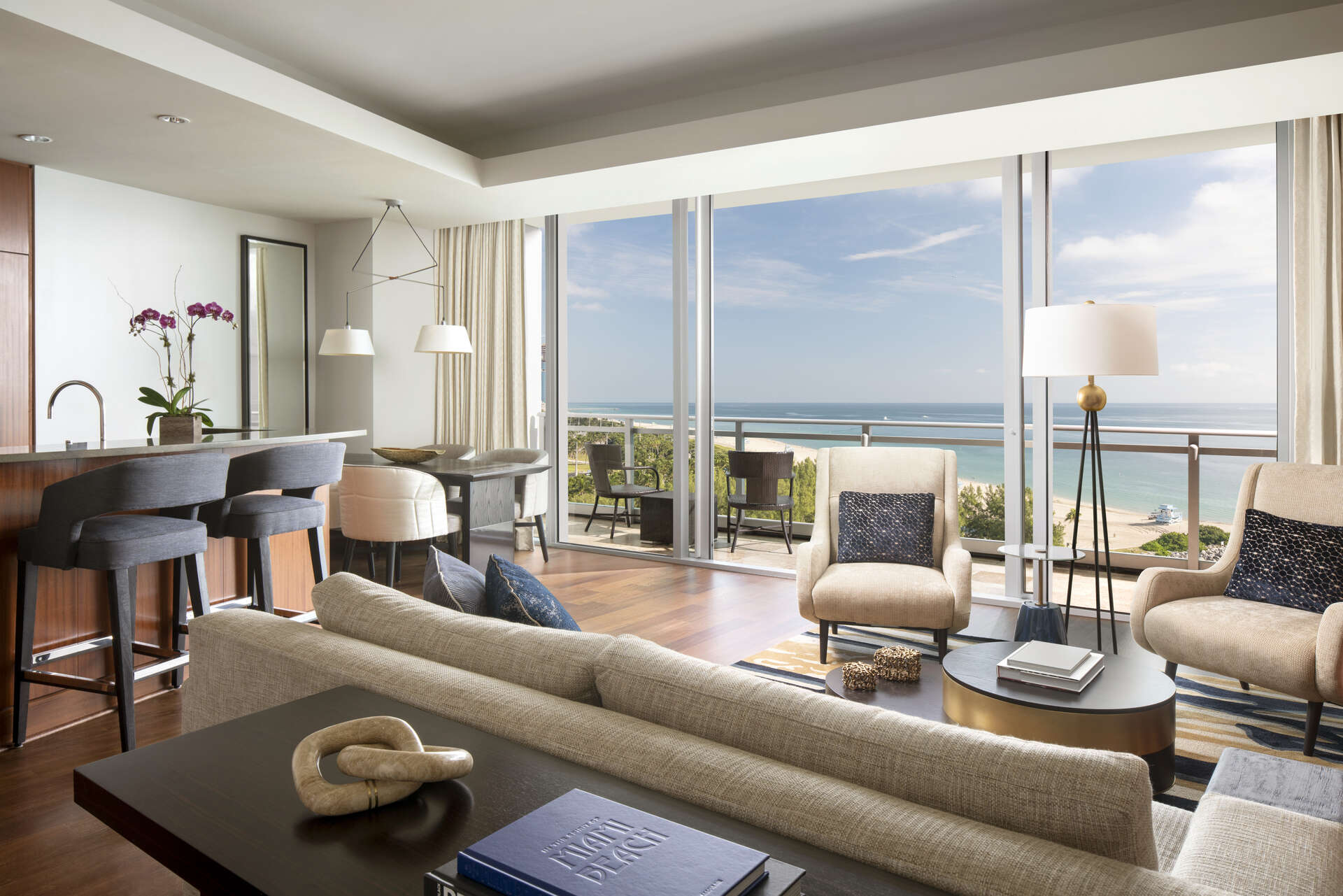 Luxury vacation rentals usa - Florida - Miami beach - Ritz carlton bal harbour - Oceanfront 2 BDM Suite - Image 1/16