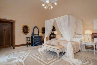 Luxury Villa Photo #48