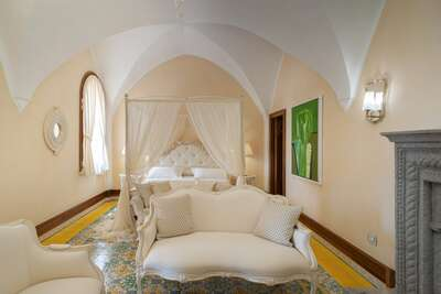 Luxury Villa Photo #57