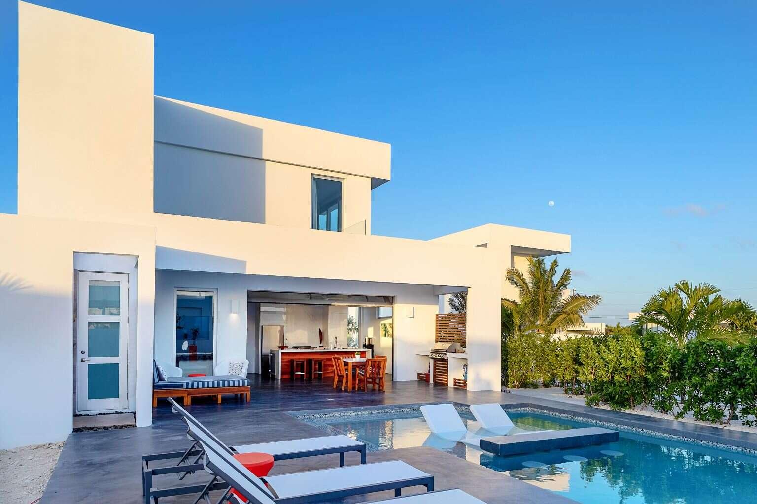 - White Villa 3 - Image 1/12