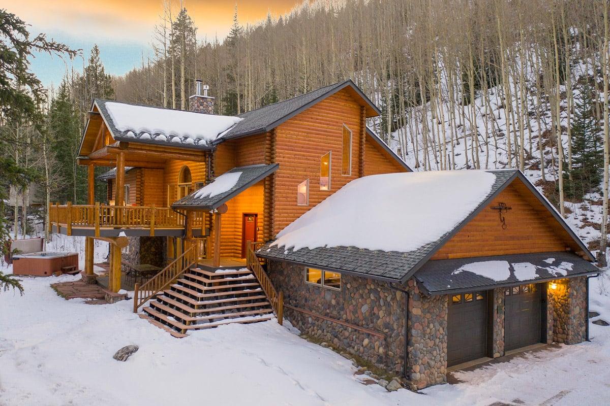 - Aspen Meadow Lodge - Image 1/32