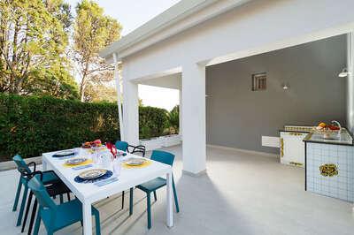 Luxury Villa Photo #14