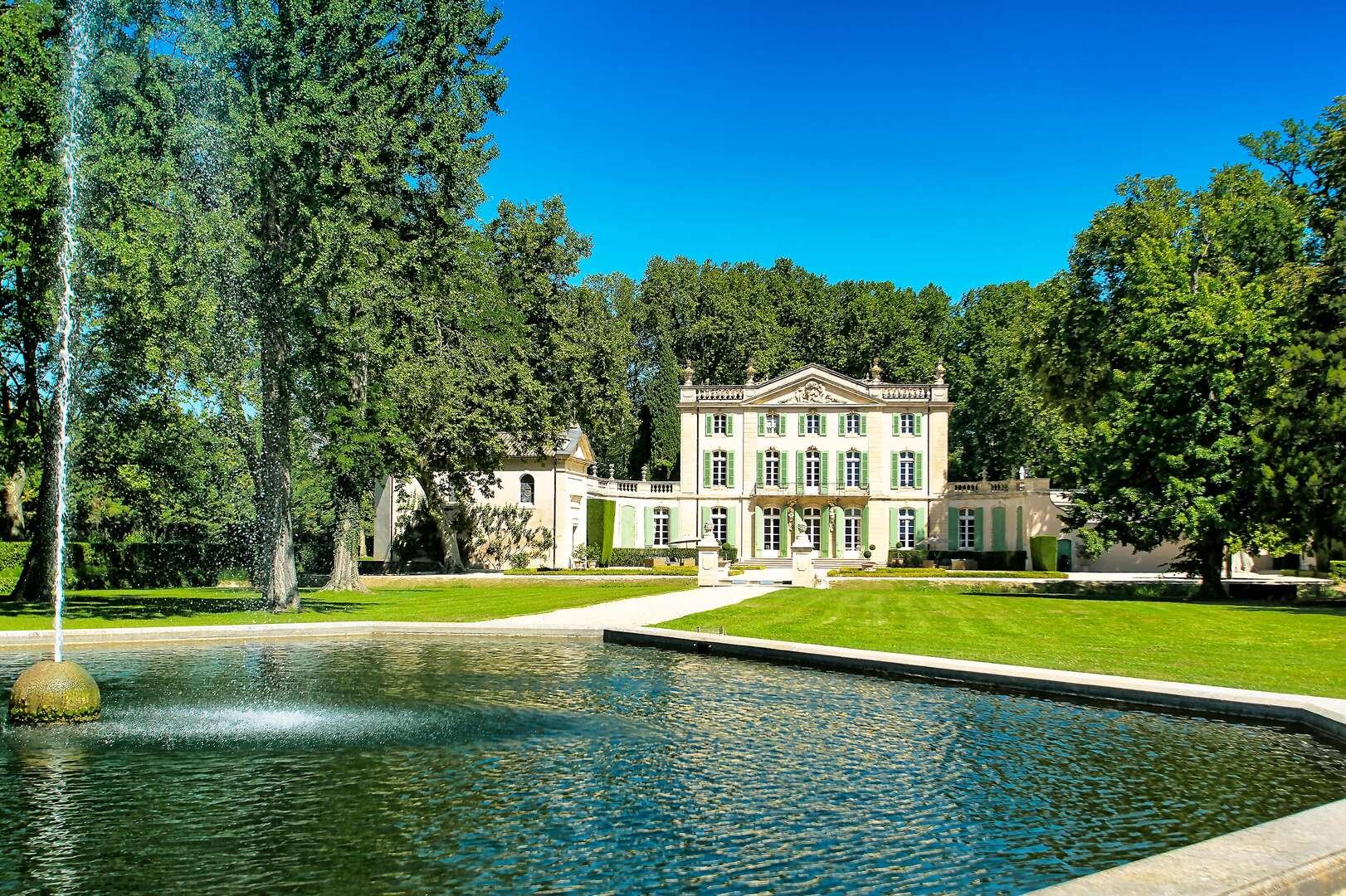 - Chateau Ventoux - Image 1/50