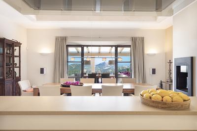 Luxury Villa Photo #25