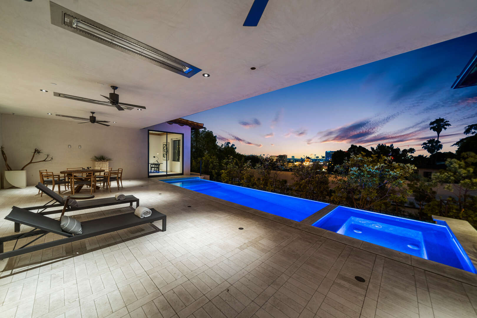 - Casa Blanca Estate - Image 1/32